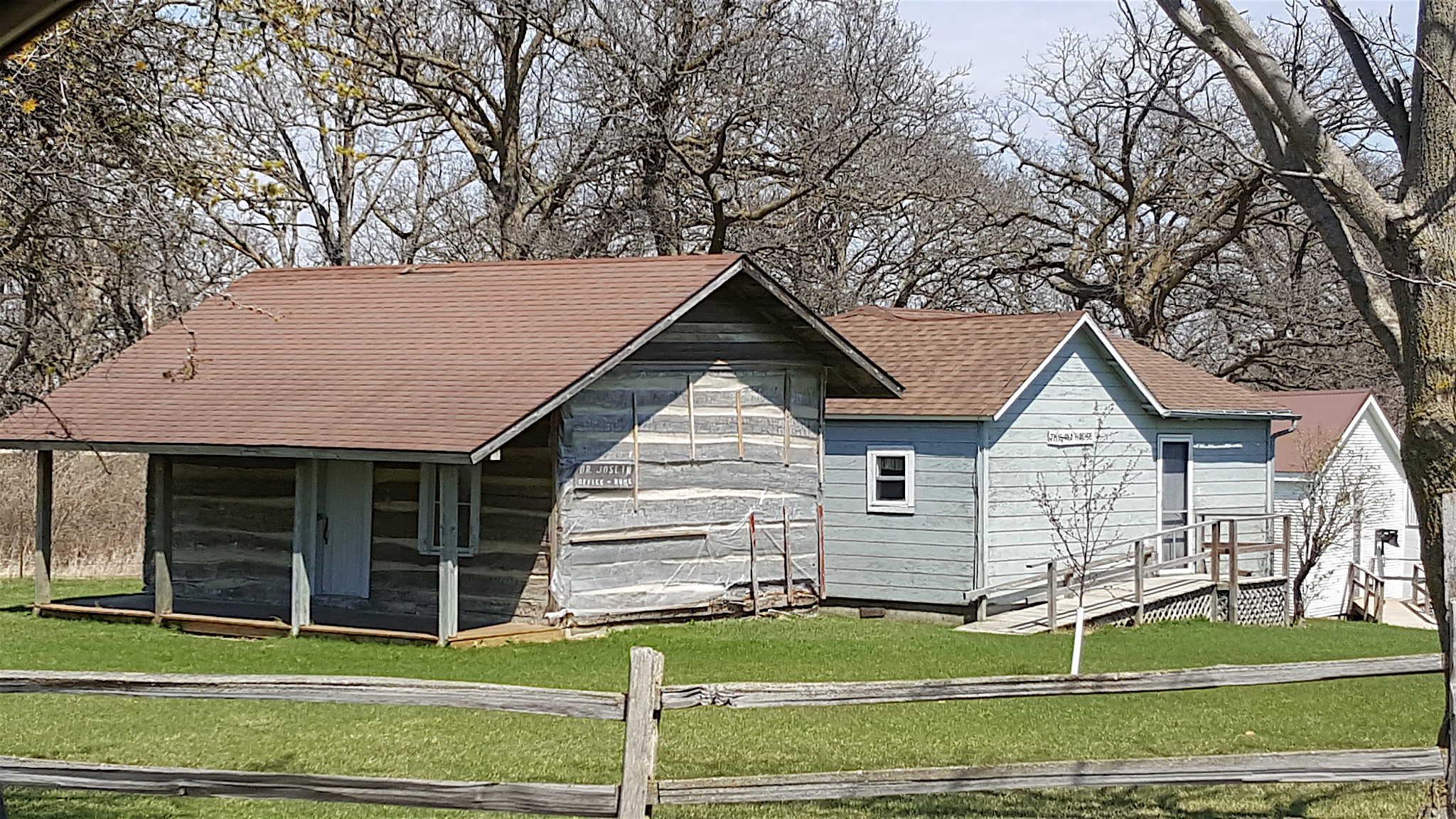 Edinburgh Ghost Town Pioneer Village - BEST Places to Visit in Central East Iowa