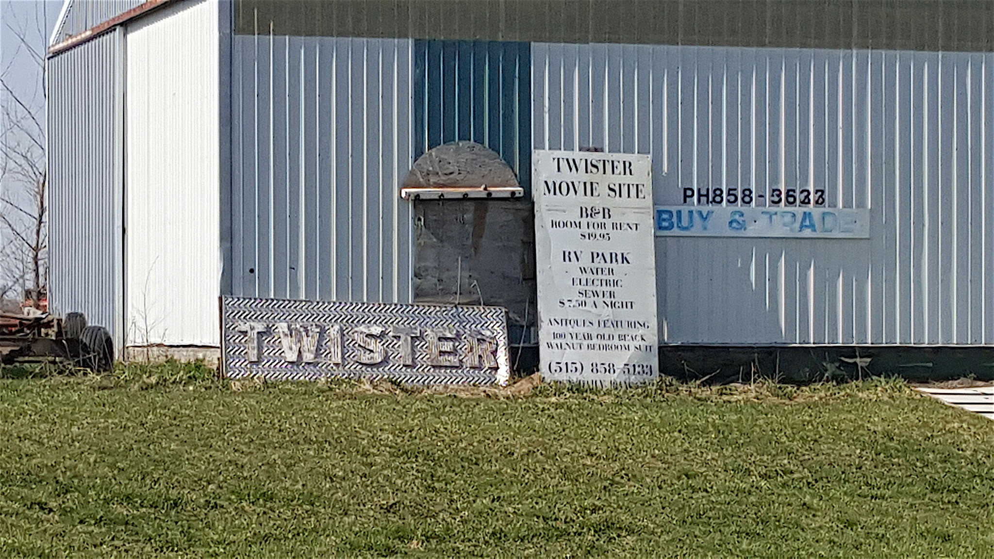 Twister Movie Site in Eldora Iowa - BEST Places to Visit in Central East Iowa