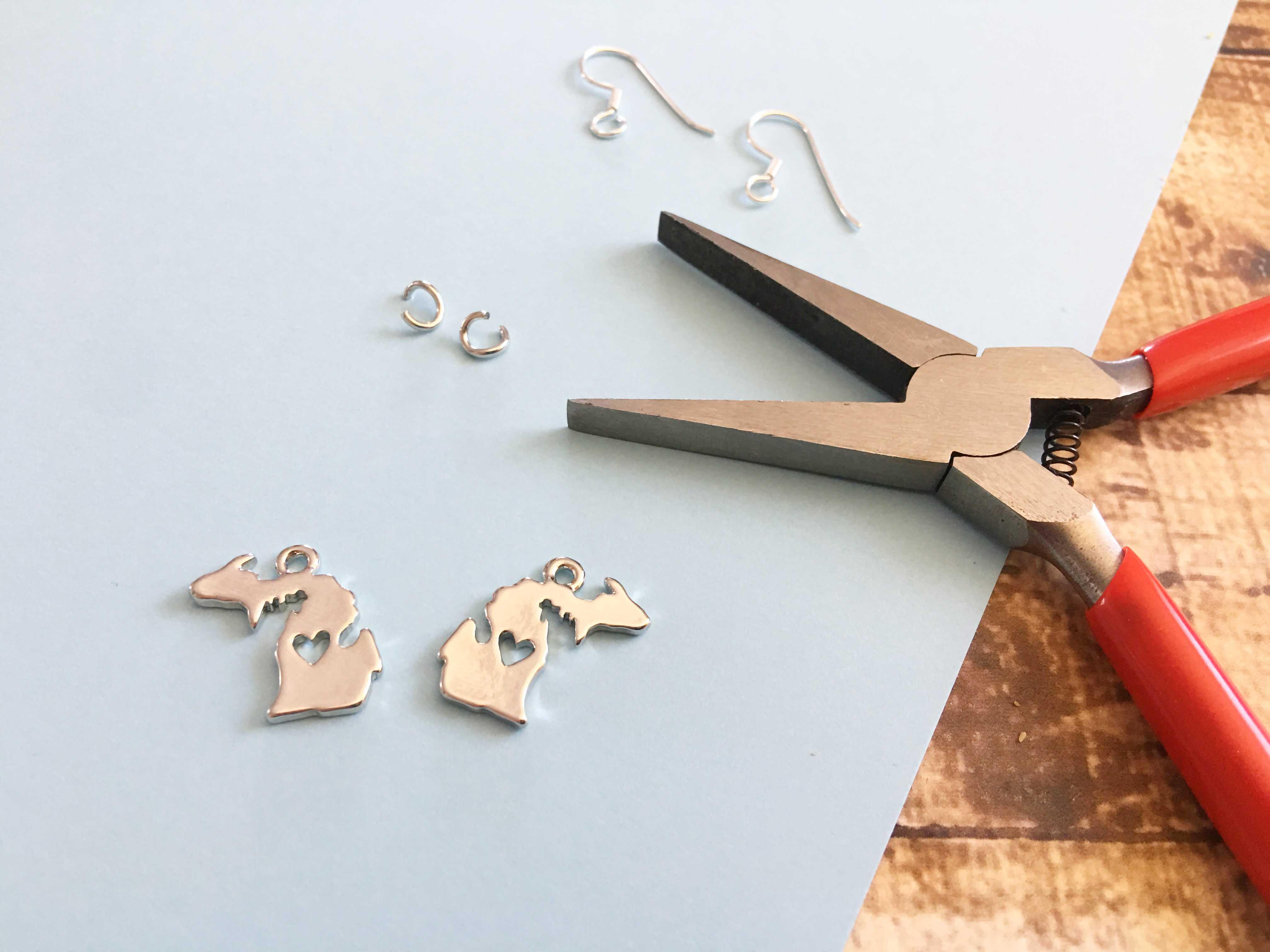 DIY Michigan State Earrings Travel Keepsake #PureMichigan