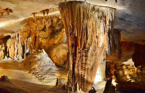 Caves in Missouri: Riding through Fantastic Caverns in Springfield