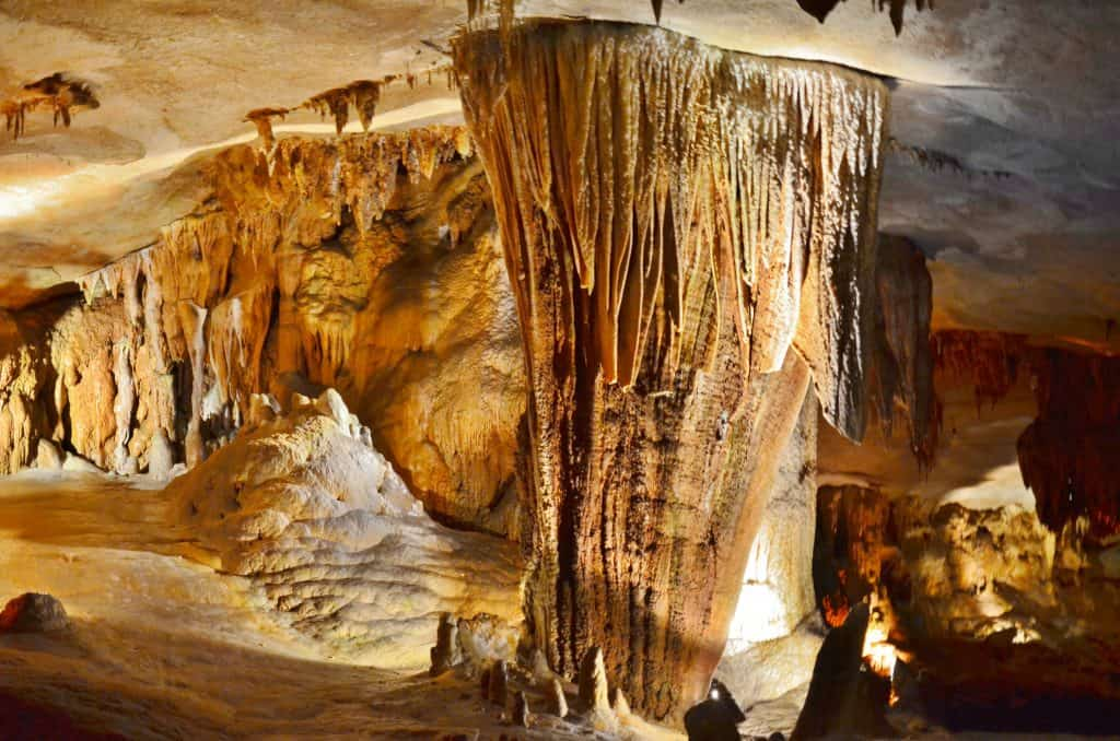 City Of Springfield Mo >> Caves in Missouri: Riding through Fantastic Caverns in ...