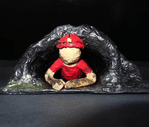 Cave Explorer Paper Statue