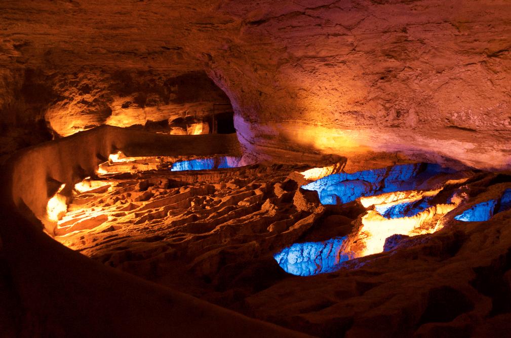 rimstone dams in cave