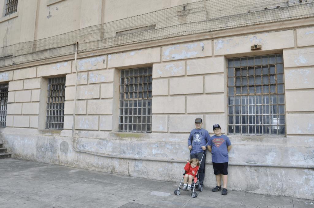 3 kids visit Alcatraz island