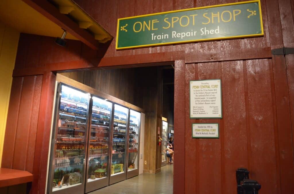 train exhibit children's museum