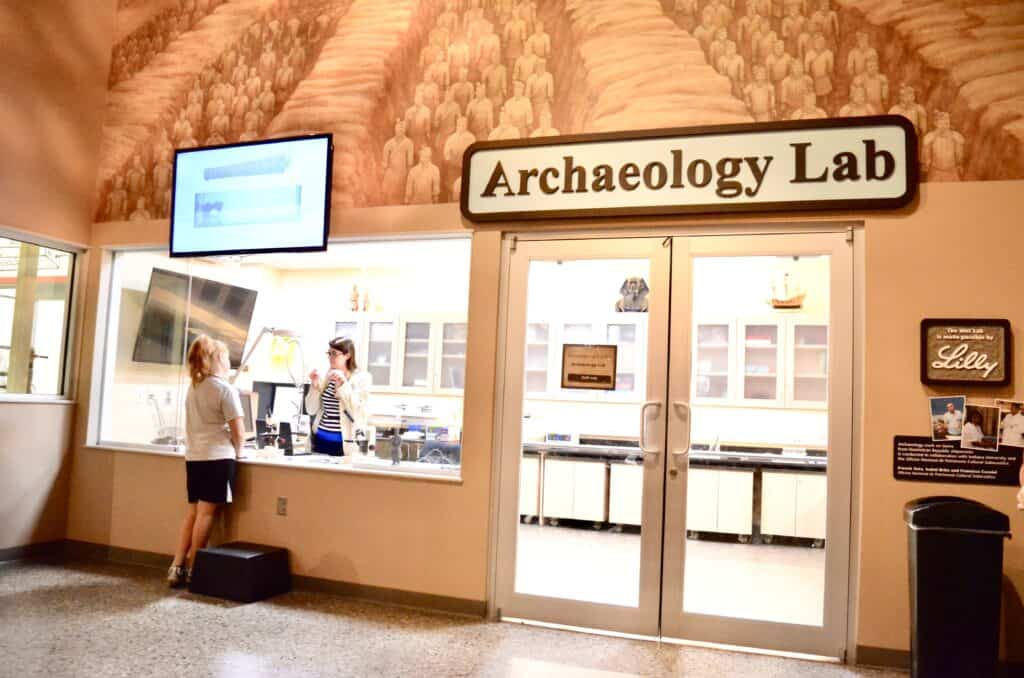 archaeology lab museum