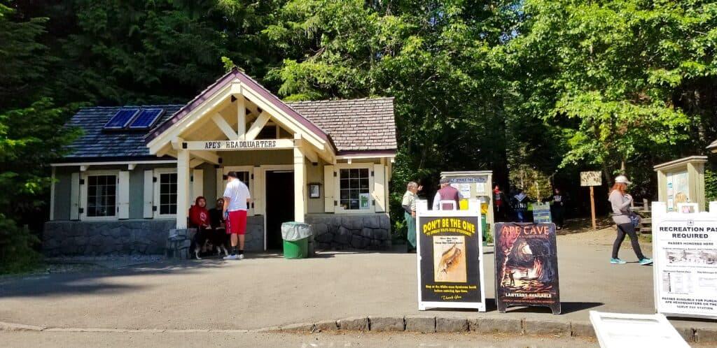 visitors center Ape Cave, Washington