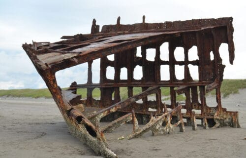 History & Where to See the Peter Iredale Shipwreck – Oregon Coast Travel